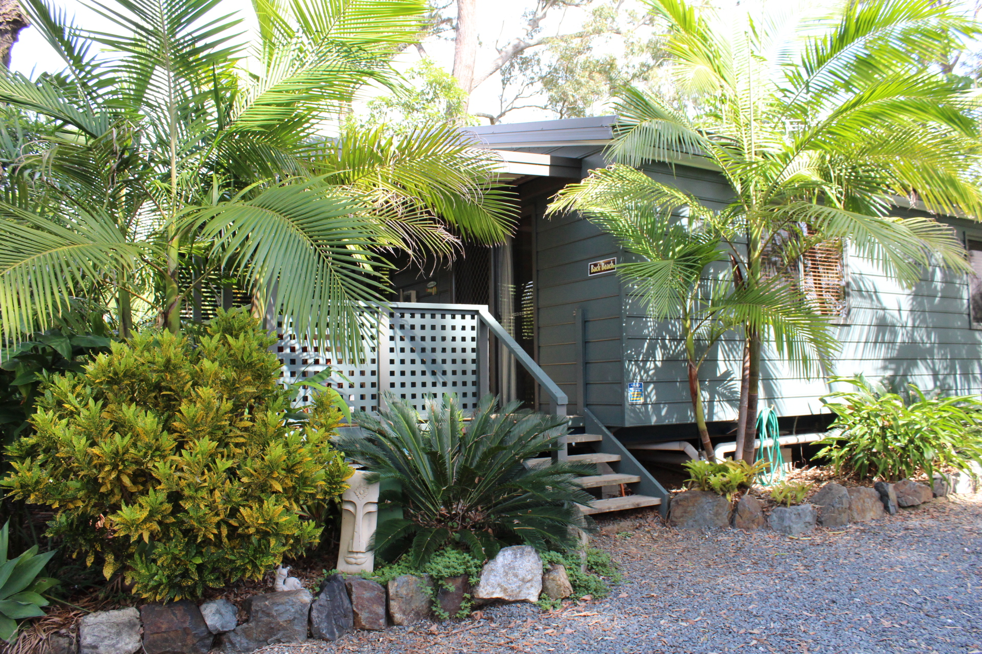 Safety Beach Bungalows Pet friendly accommodation Woolgoolga & Coffs Harbour Back Beach