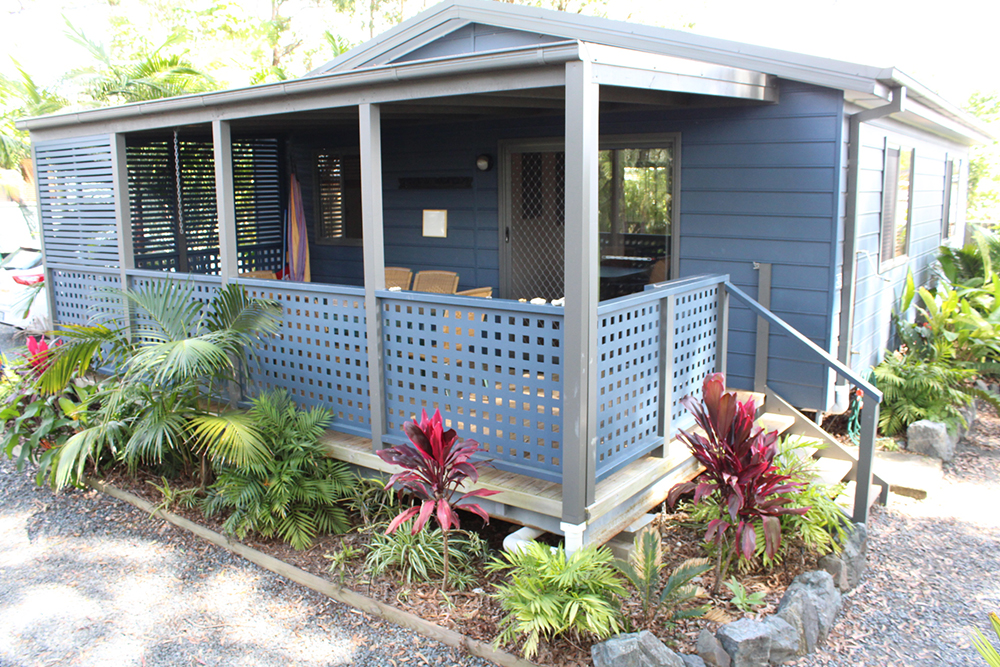 Safety Beach Bungalows pet friendly Accommodation near woolgoolga and coffs harbour Lazy Days